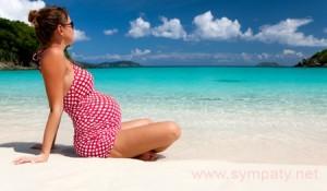 Можно ли плавать в море при беременности