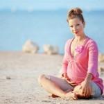 Как загорать беременной на солнце и в солярии