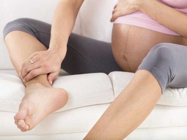 Отеки при беременности на поздних сроках
