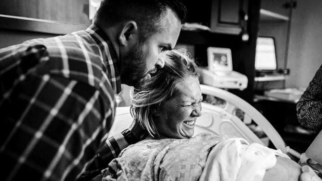 тужиться во время родов